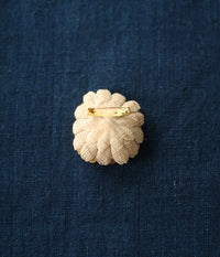 'hitohana' Linen Flower Brooch {Chrysanthemum}