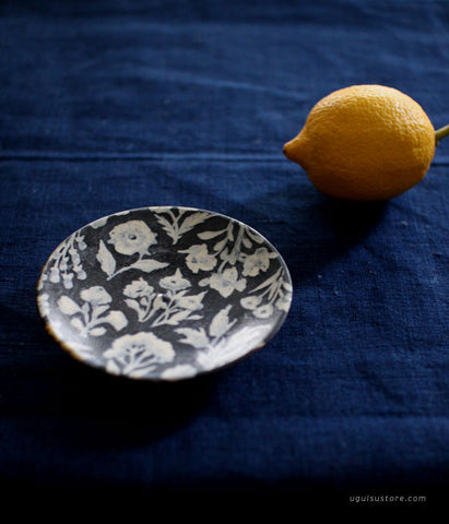Aya Yamanobe Mini Ceramic Plate {Flowers Navy}