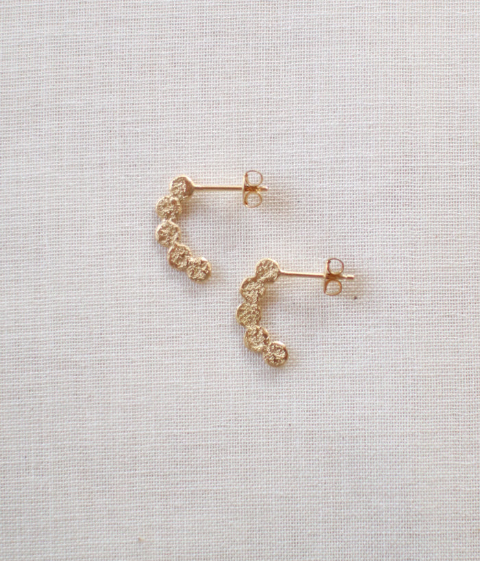 "Jona ""tenten hoop"" Stud Earrings {Gold} (backordered)"