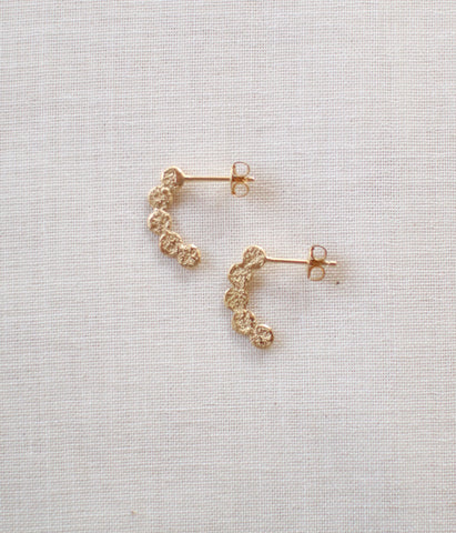 "Jona ""tenten hoop"" Stud Earrings {Gold}"
