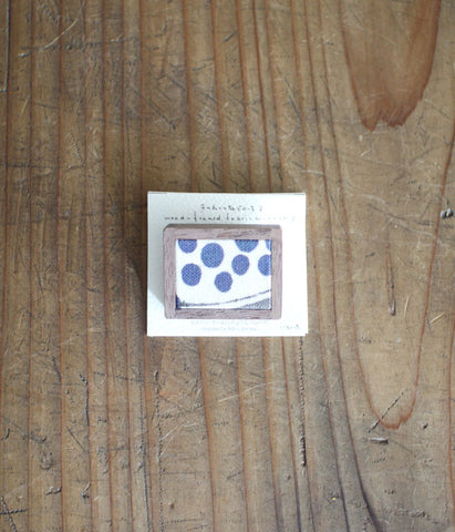 ilo ito Wood Framed Fabric Brooch {Small}