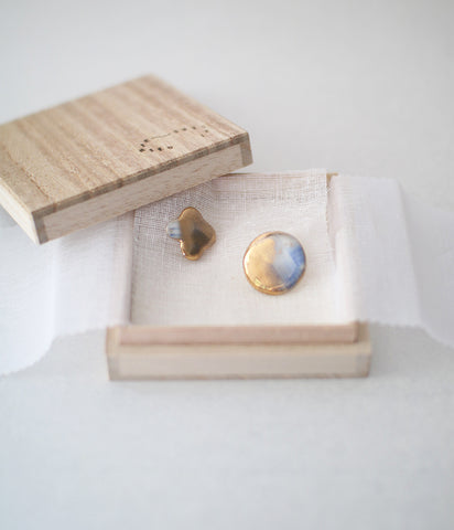 Kimiko Suzuki Porcelain + Gold + Sometsuke Earrings Small #01