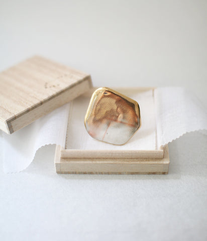 Kimiko Suzuki Porcelain + Gold + Sometsuke Brooch [Medium Check]
