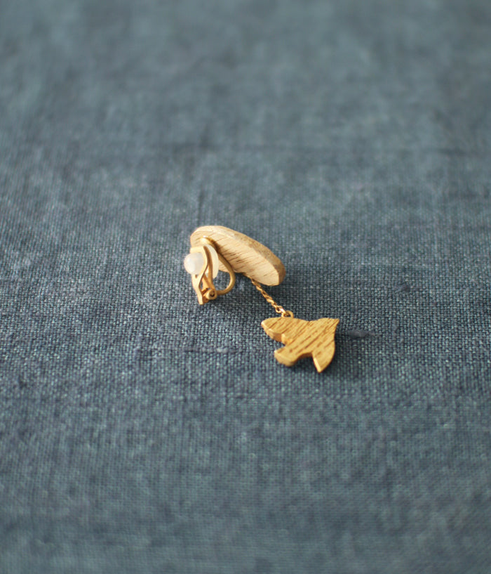 KIYATA Tin Clip Earring {Bird}