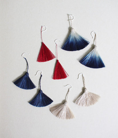 "YUIKOUBOU ""Ha-ne"" Earrings {Wing} Silk RED"