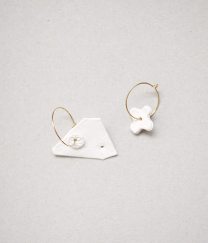Kimiko Suzuki Hoop Earrings White Porcelain x Gold #22