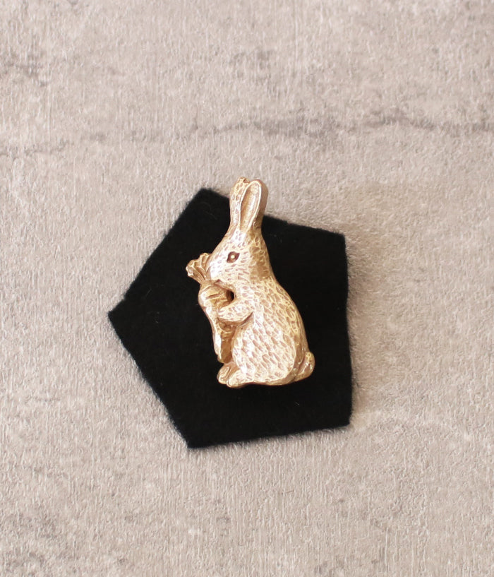 KIYATA Tin Brooch {Rabbit}
