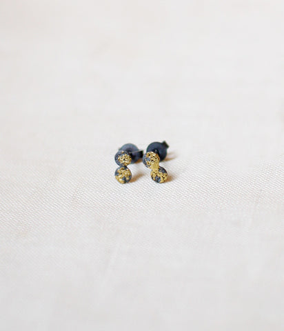 "Yasushi Jona ""tenten"" Stud Earrings {Black}"
