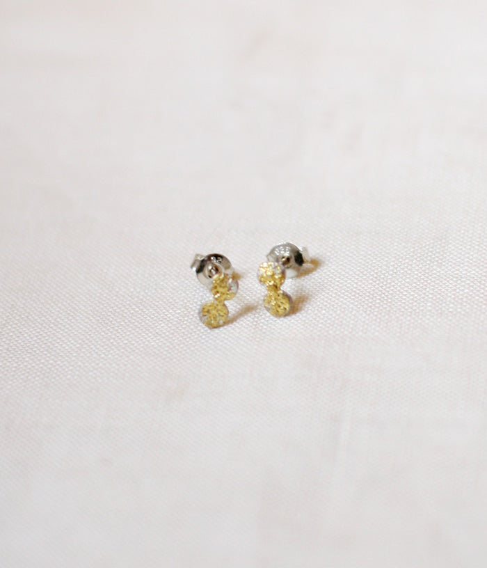 "Jona ""tenten"" Stud Earrings {White}"