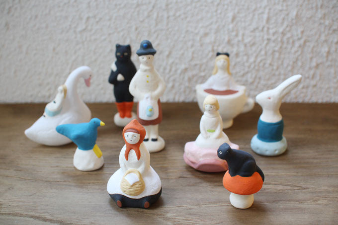 Yuki Nishio Small Ceramic Figure {Alice in Teacup}