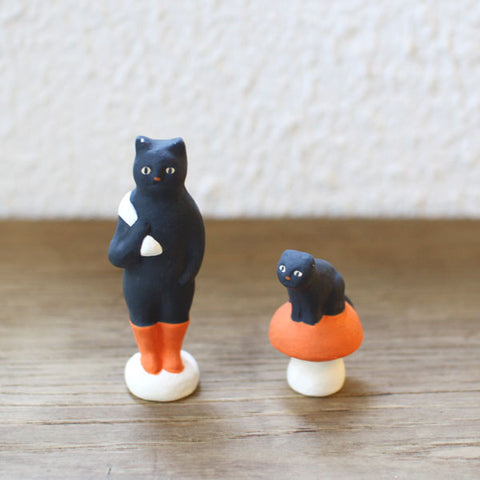 [Sold Out] Yuki Nishio Small Ceramic Figure {Puss without Boots}