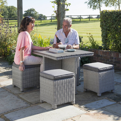 Kettler Garden Furniture Kettler Palma 4 Seater Cube Set With Glass Table Top in White Wash or Rattan