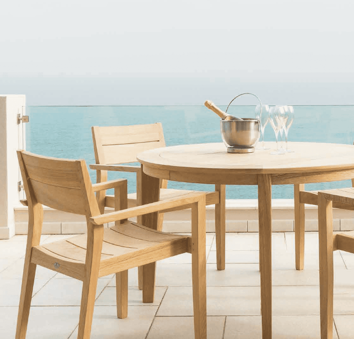Roble Round Table Dining Set - with Stacking Armchairs