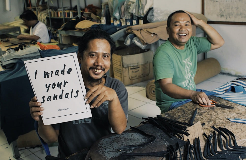 Image of workers in the indosole factory producing the flipflops
