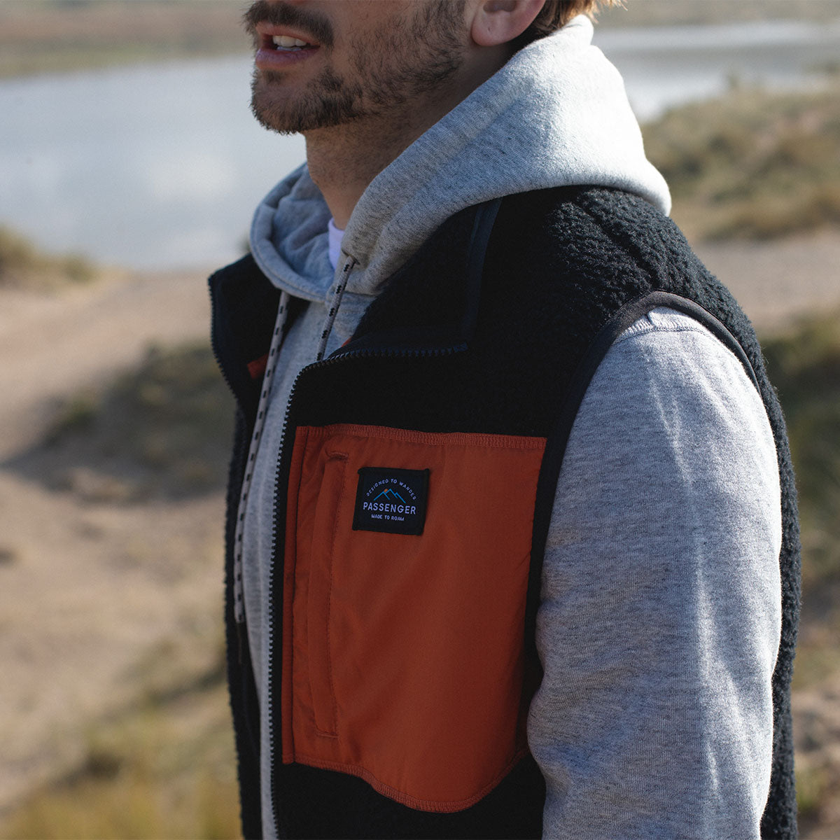 Calgary Sherpa Fleece Vest - Black/Rust image 6
