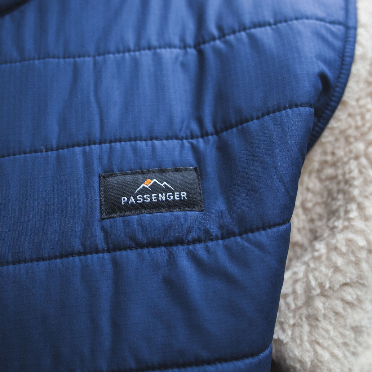 Fogtrail Full Zip Sherpa Fleece - Off-White/Navy image 2