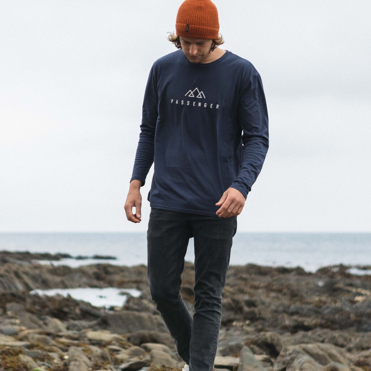 Hatchet  L/S T-Shirt - Navy image 4