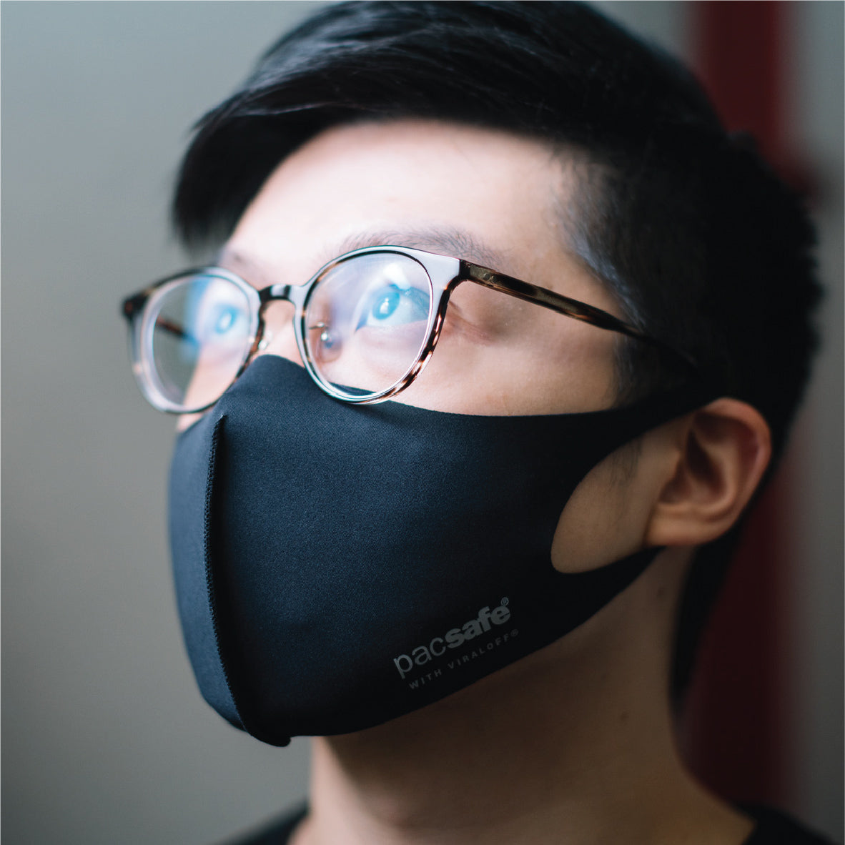 Pacsafe Viraloff Face Mask - Black image 3