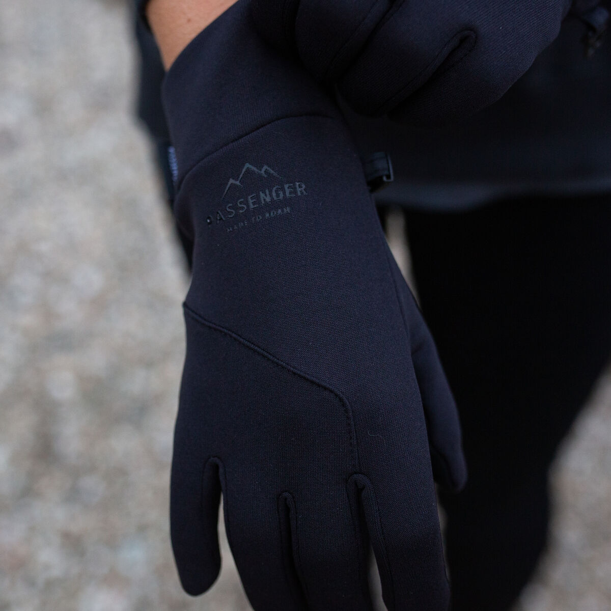 Montana Gloves - Black image 3