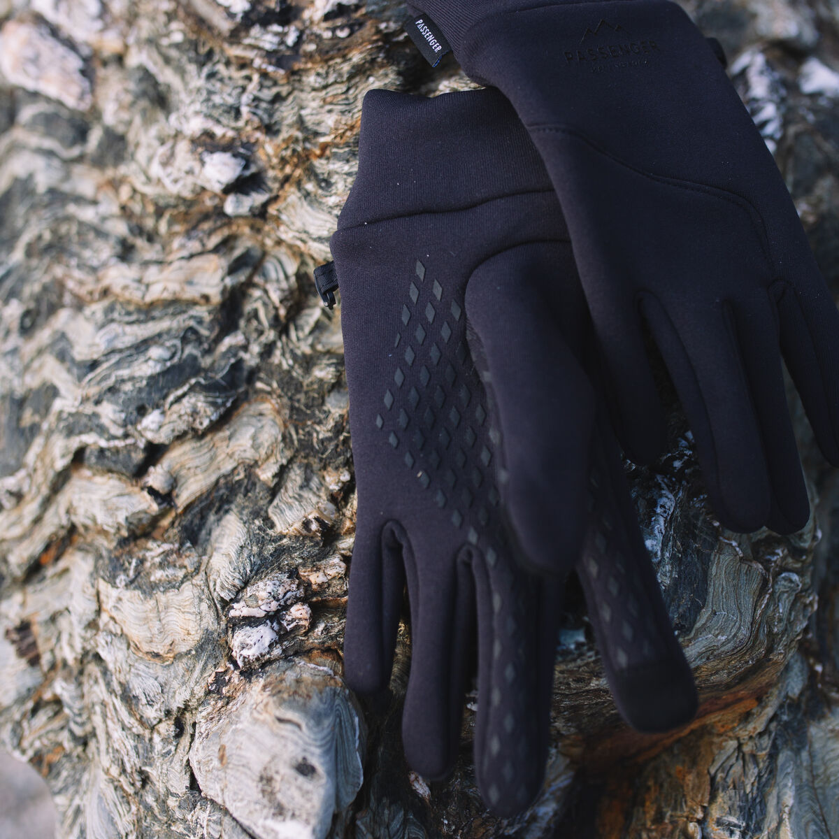 Montana Gloves - Black image 2