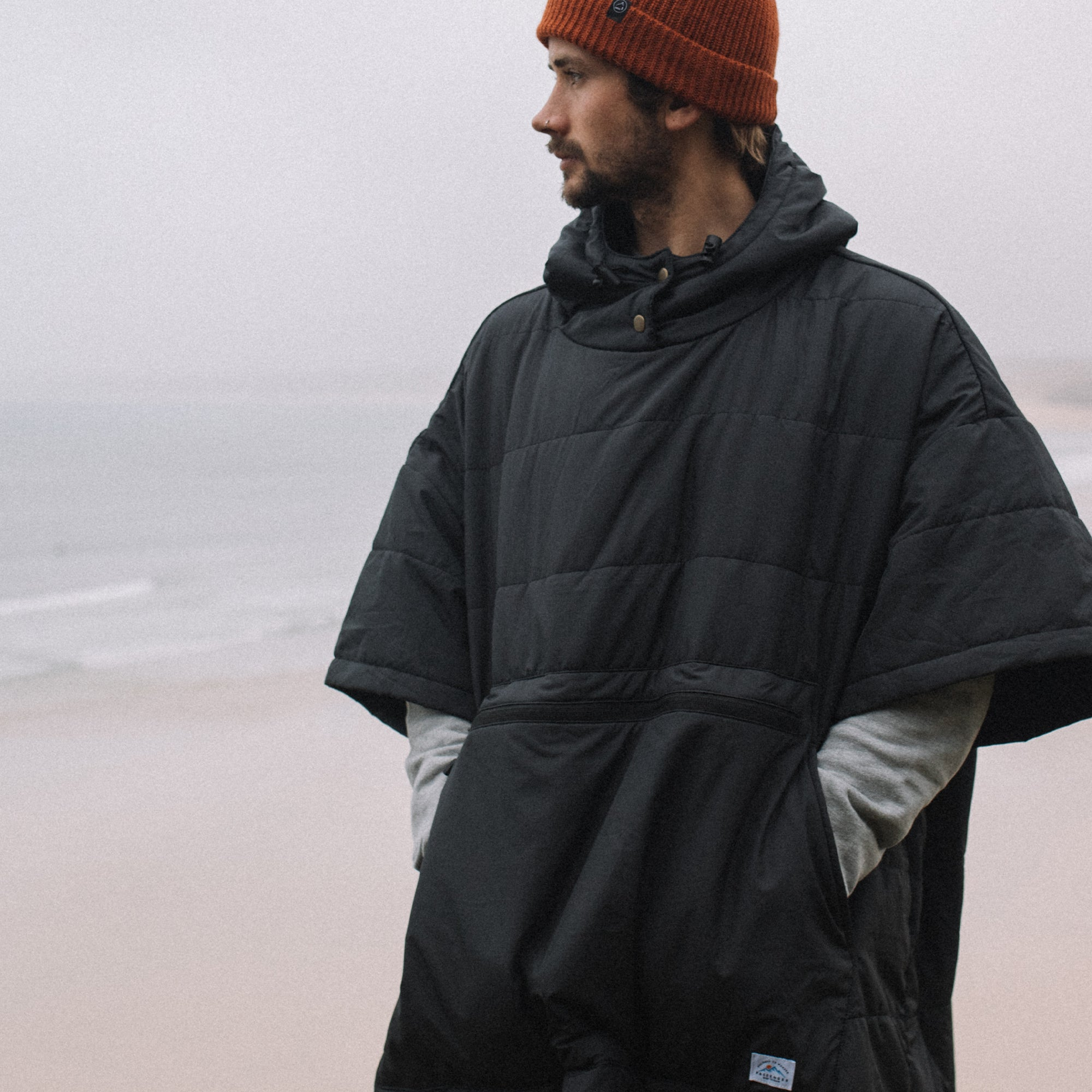 Wilds Towel lined Poncho - Black image 3