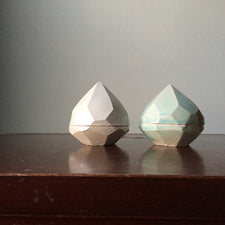 Monohanako Diamond Box by Hanako Nakazato of Monohanako Made in Maine USA Porcelain White and Peppermint Glaze