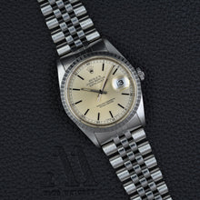 Load image into Gallery viewer, Rolex Datejust 16220 Mint Full Set
