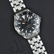 "Load image into Gallery viewer, Omega Seamaster GMT ""James Bond"""