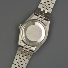 Load image into Gallery viewer, Rolex Datejust 1601 Service
