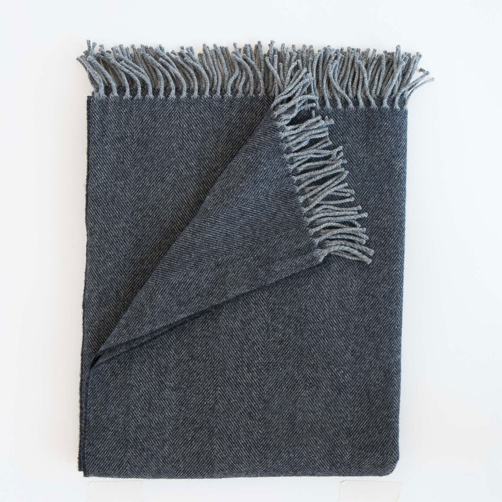 Lightweight Herringbone Throw in Midnight
