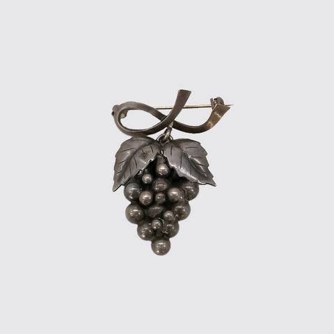 Mexican Sterling Grapes Pin
