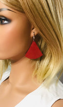 Load image into Gallery viewer, Crimson Dazzle Leather Earrings - E19-1037