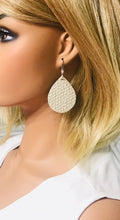 Load image into Gallery viewer, Cream Italian Leather Earrings - E19-1147