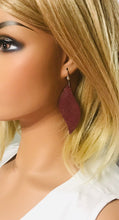 Load image into Gallery viewer, Dark Raspberry Dazzle Leather Earrings - E19-1328