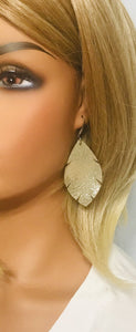 Platinum Crackle Leather Earrings - E19-1334