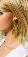 Load image into Gallery viewer, Gold Sequin Earrings - E19-430