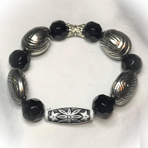Big & Bold Collection Glass Bead Bracelet - B254