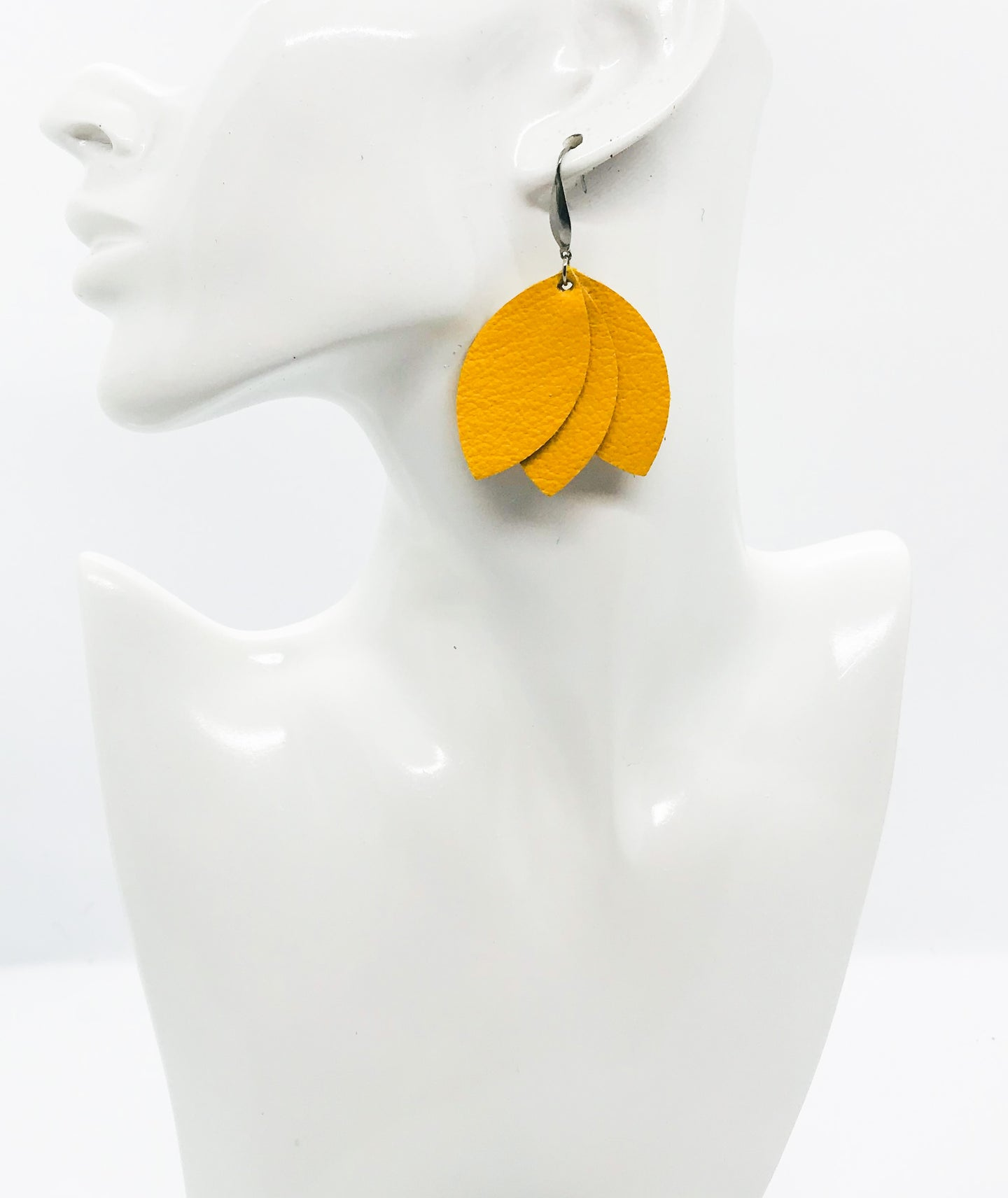 Light Mustard Leather Earrings - E19-1028