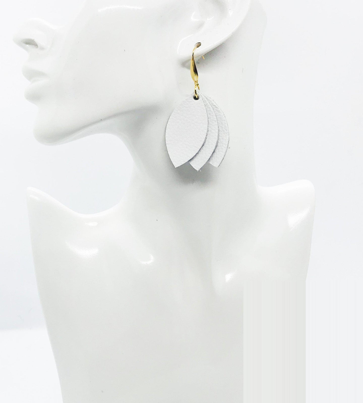 Imperial White Leather Earrings - E19-1685
