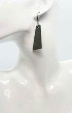 Load image into Gallery viewer, Leather Earrings - E752