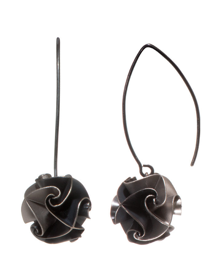 flora drop earrings - ox/silver