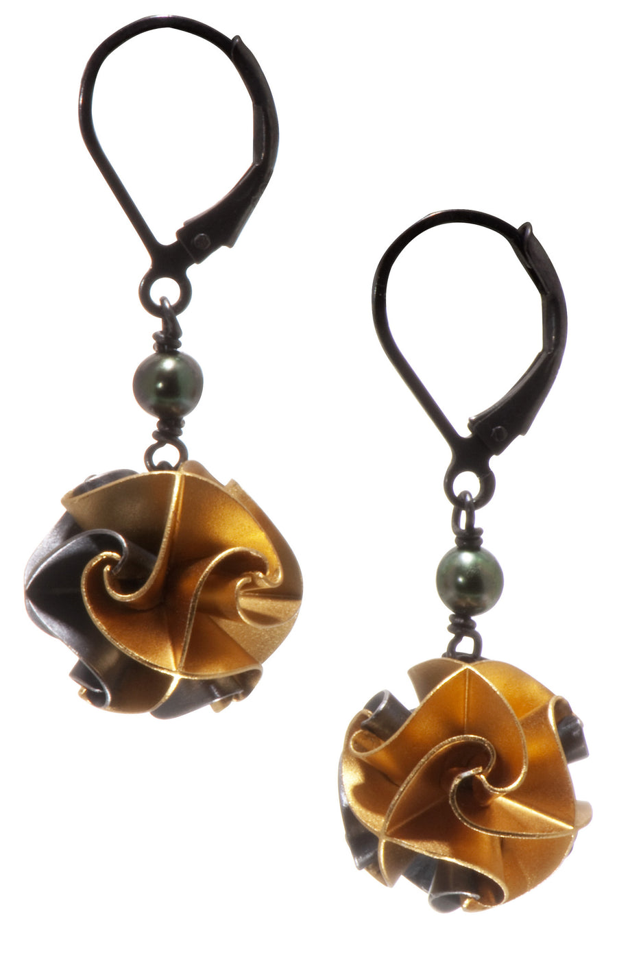 flora with pearl earrings - ox/gold