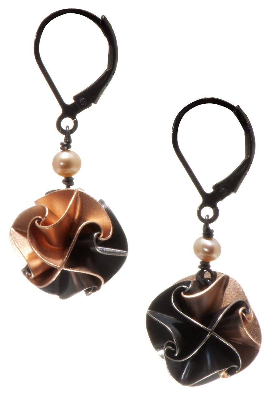 flora with pearl earrings - ox/rose