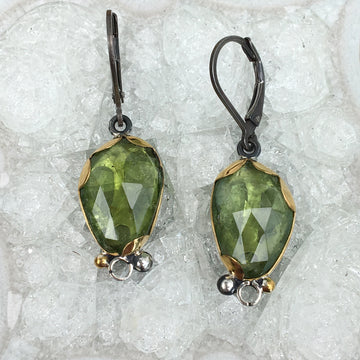 Tourmaline earrings - light green - 22k gold, oxidized sterling silver