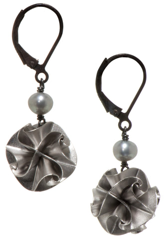 flora with pearl earrings - silver