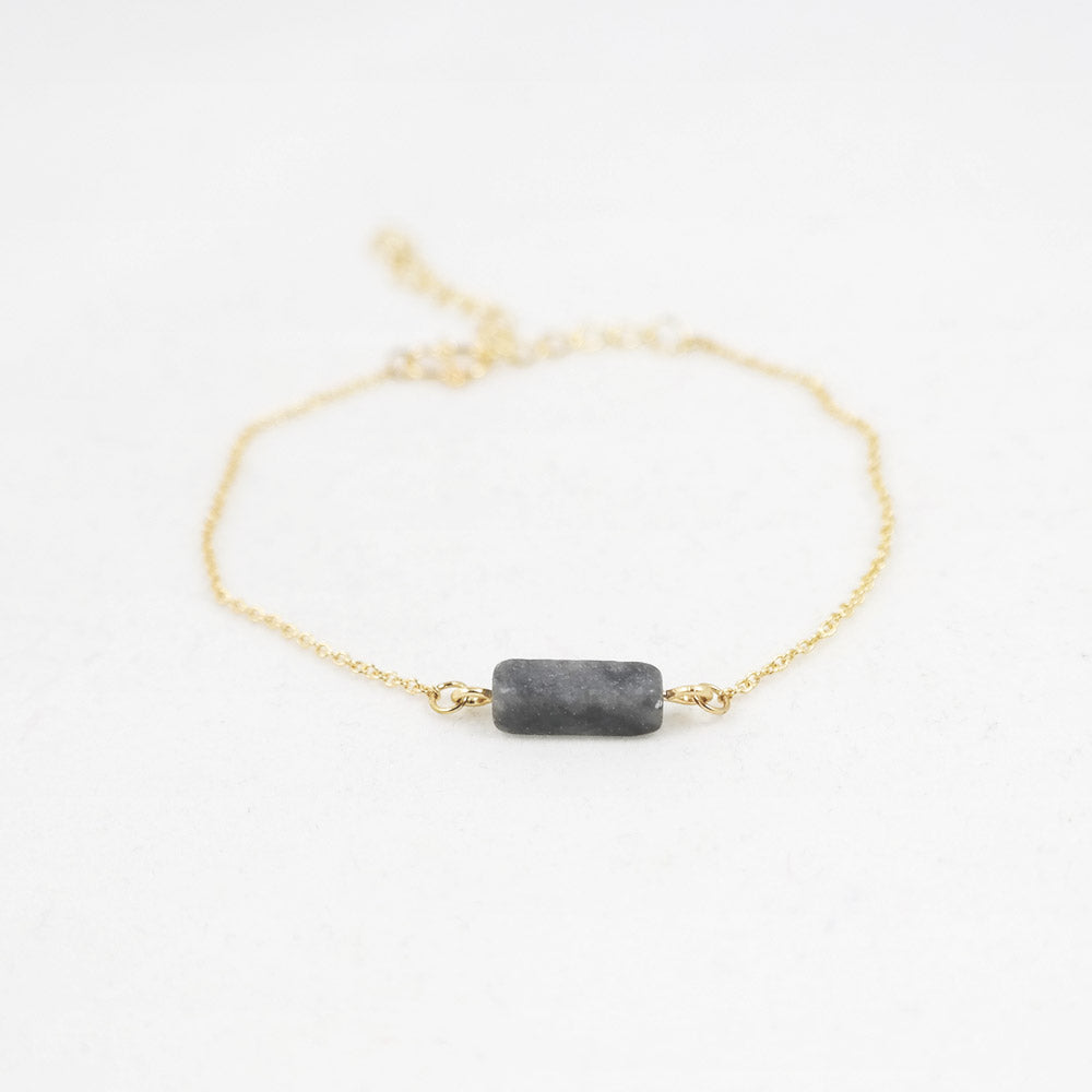sophari | Block Bar Pendant Bracelet in Gold with Grey Smoke Stone