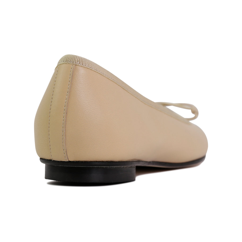 ROMA - Nappa Biscotto + Drawstring + Nappa Nero Toe, VIAJIYU - Women's Hand Made Sustainable Luxury Shoes. Made in Italy. Made to Order.
