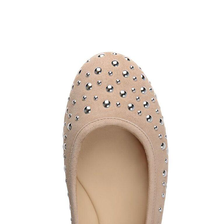 VENEZIA - Velukid Tan + Big Silver Studs, VIAJIYU - Women's Hand Made Sustainable Luxury Shoes. Made in Italy. Made to Order.
