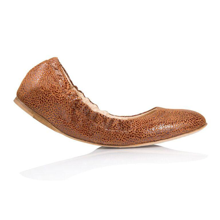 PORTOFINO - Savannah Dune, VIAJIYU - Women's Hand Made Sustainable Luxury Shoes. Made in Italy. Made to Order.