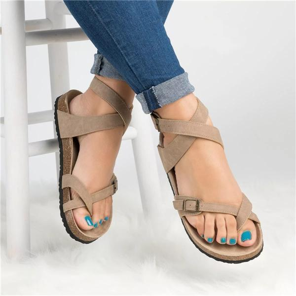 Roman Sandals Buckle Peep-toe Flats - 7 Bess